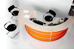 Столы для персонала и диваны для офиса подбираем материал